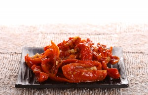 Sun-dried tomatoes with olive oil
